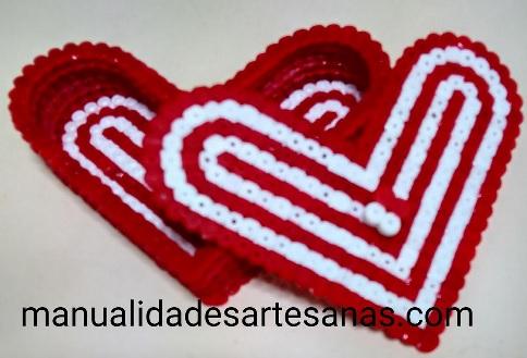 Caja forma de corazón del Athletic  Club de Bilbao con hama midi