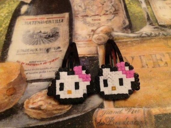 Horquillas clip de Hello Kitty de perlas pequeñas