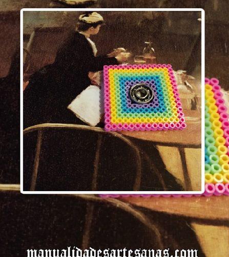 Fidget spinner cuadrado, el juguete de relax de moda con perlas midi