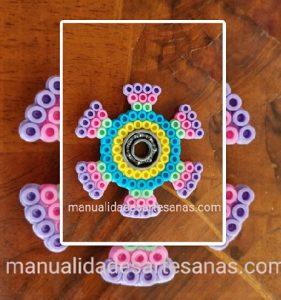 Fidget spinner circular con perlas hama midi