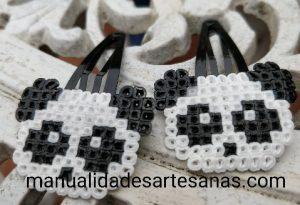 Horquillas oso panda de perlas hama mini