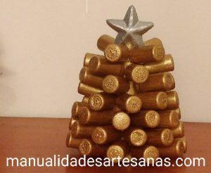 Árbol de Navidad con corchos sintéticos de vino