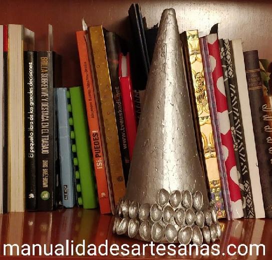 Materiales de pino de poliespan y cáscaras de pistachos