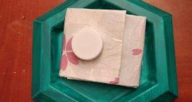 Reciclando los envases de tetra brick para convertirlos en monederos y billeteros