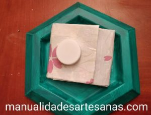 Cartera para monedas y billetes hecho con tetra brick