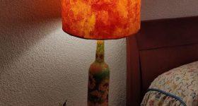 Cómo hacer una lámpara con botella de vino de cristal y decoupage