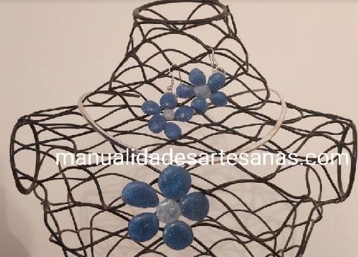 Pendientes y colgante de flores de silicona de colores