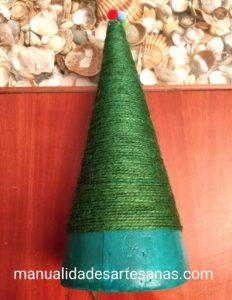 Materiales para árbol navideño con cuerda de embalaje