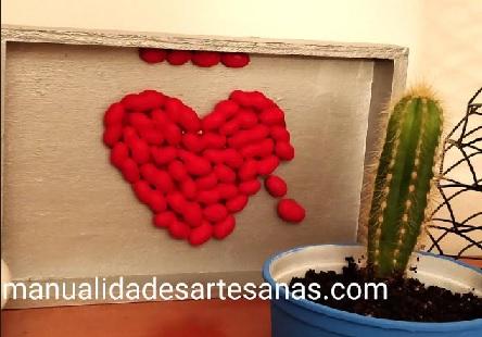 Cuadro para San Valentín de corazón de cacahuetes