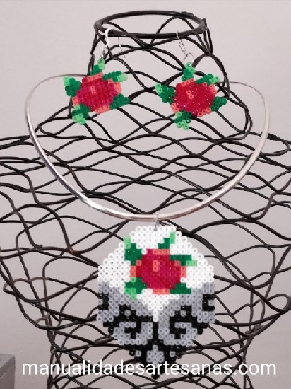 Pendientes primaverales de rosas