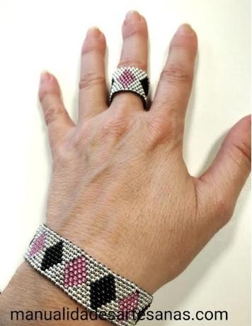 Pulsera y anillo a juego de rombos tricolores