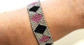 Pulsera tricolor de rombos de brick stitch