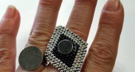 Ideas para tener muchos anillos con una sola base