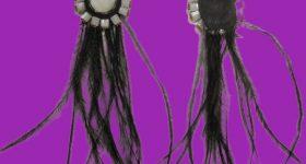 Pendientes de soutache con plumas de avestruz y abalorios de nacar